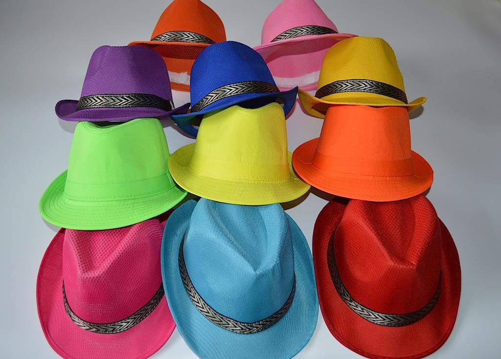 Шляпы яркие