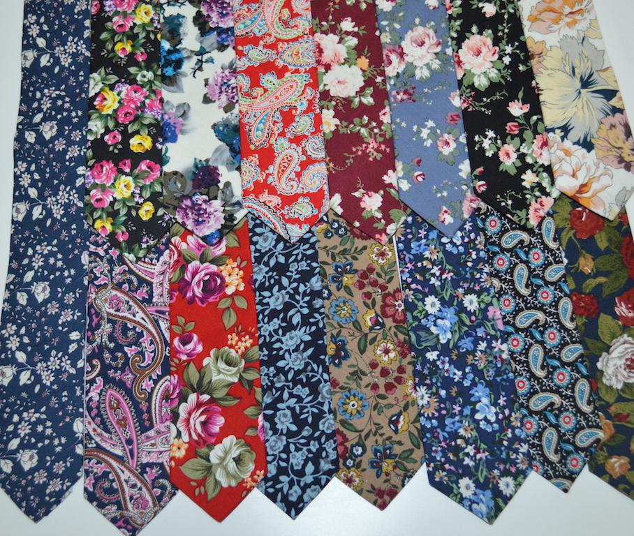Яркие и оригинальные галстуки с русскими узорами